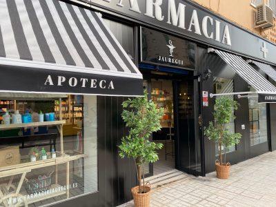 Fachada de nuestra nueva farmacia en Málaga, en la calle Gerona, 14